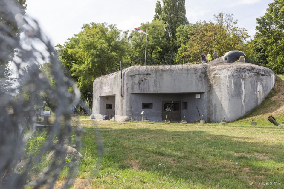 wwii bunker bratislava, bunker petrzalka BS-8, bunkers in czechoslovakia, wwii in czechoslovakia, wwii in slovakia tour, wwii sights in slovakia