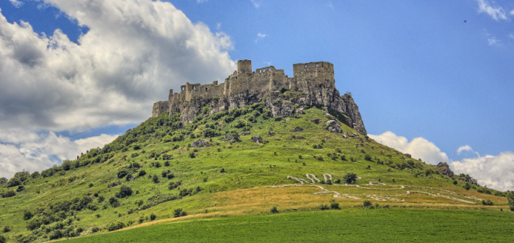 tour operator, day trips in slovakia, affordable tours, castles in slovakia, castles in europe, biggest castle, places to visit in Europe, spis castle day trip, spis castle tour